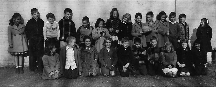 Miss Massie's 2nd Grade class at Hume School, December 1947